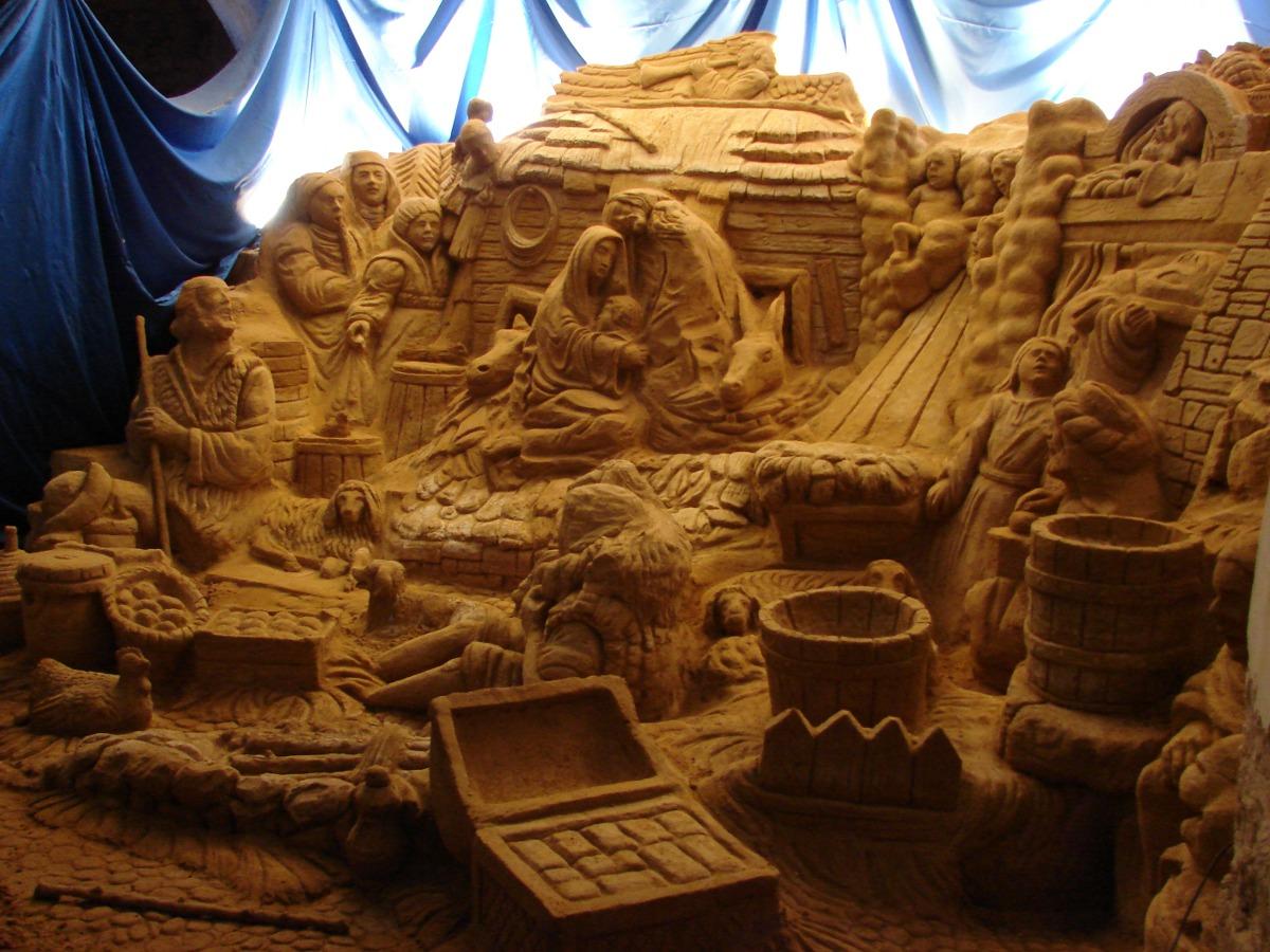 Presepe artigianale realizzato con la sabbia