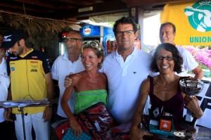giro di pantelleria premiazione Fabio capello premia paola zaghi