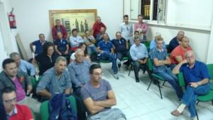 Una partecipata riunione CSA con gli agricoltori