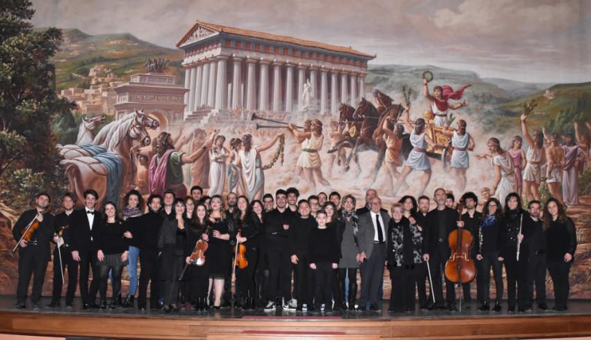 Foto di gruppo della maratona musicale del 19 Febbraio svoltasi al Teatro Pirandello di Agrigento